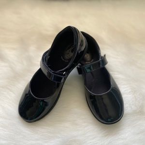 Girl hush puppies shoes